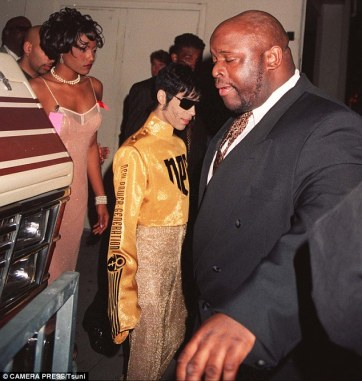 3369E09F00000578-3553098-Nona_Gaye_Marvin_s_daughter_was_18_when_she_started_dating_Princ-a-31_1461298581143